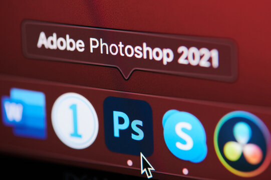 Starting adobe photoshop app