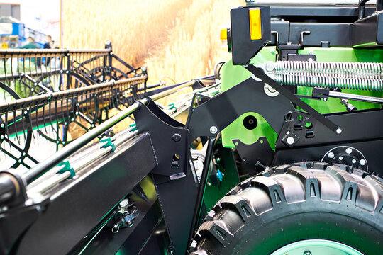 Self-propelled mower conditioner with grain swath header