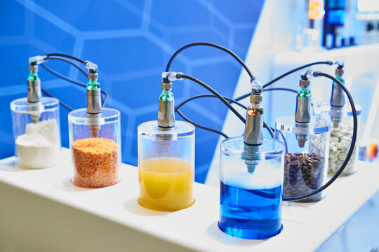 Stand with devices for chemical analysis of food