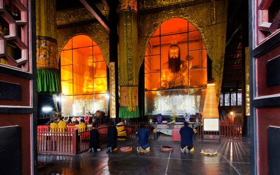 China, Chengdu, temple interior