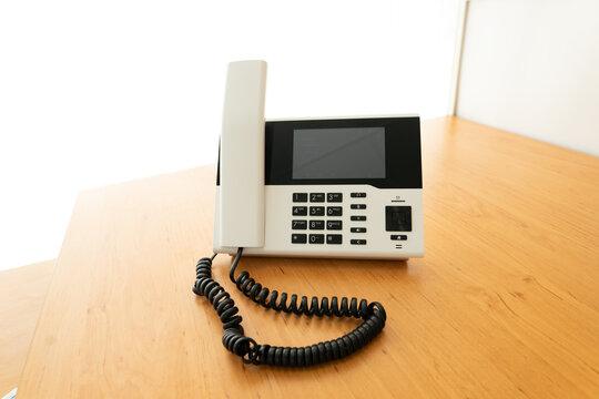 Telefon im Büro / Clean