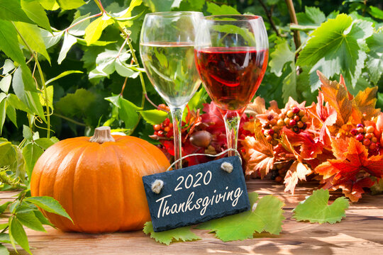 Thanksgiving dinner decoration and label 2020