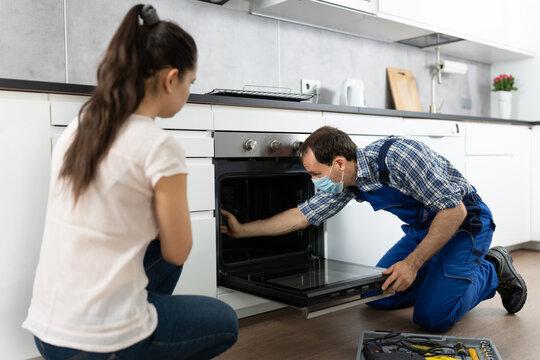 Kitchen Appliance Oven Repair By Handyman Technician