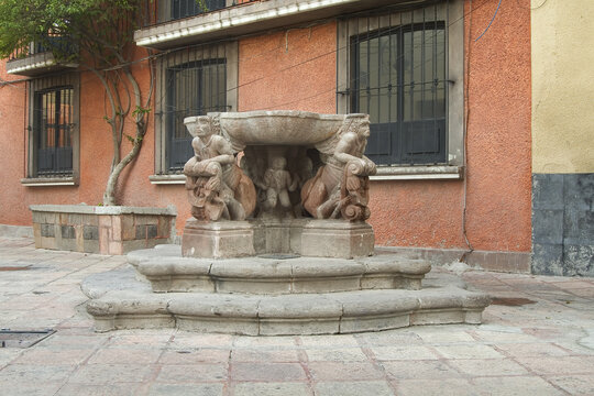 Historic town of Santiago de Queretaro,  Andador Mariano Matamoros Fountain, Province of Queretaro, Mexico, UNESCO World Heritage Site