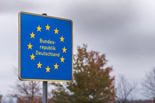 Schild Bundesrepublik Deutschland