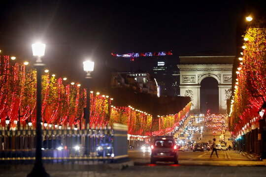 Champs Elysees switch on Christmas lights