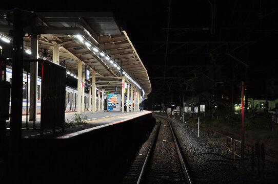 日本の駅のホーム