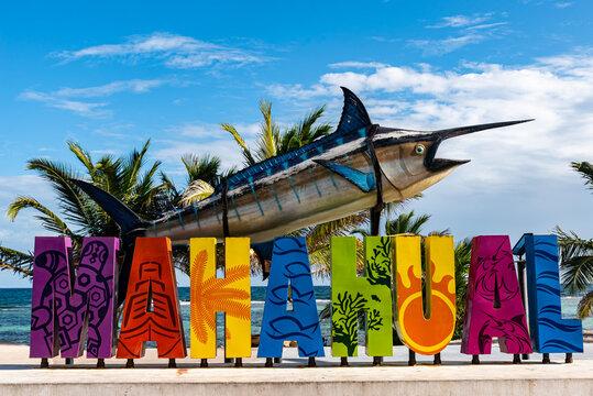 Schriftzug Mahahual Costa Maya Karibik Mexiko