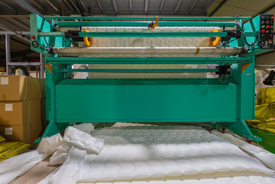 weaving machine, mattress production in the factory.