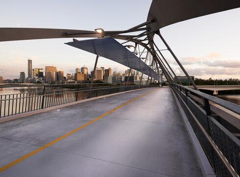 Pedestrian Bridge over Brisbane River linking Southbank and Brisbane City