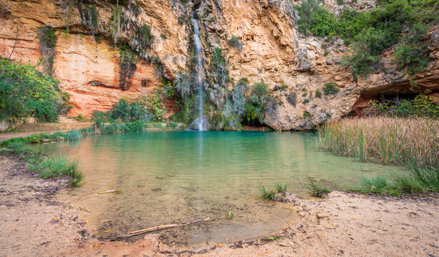 Turche cave pond and waterfall in Valencia