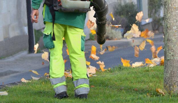 Souffleur communal de feuilles