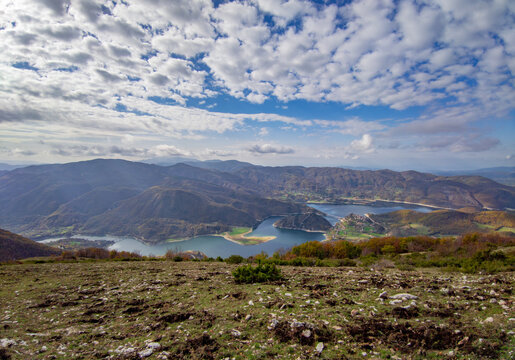Turano lake (Rieti, Italy) and the town of Castel di Tora - Here a view from Navegna mount