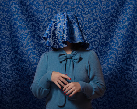 Hiding (Blue)