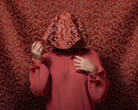 Hiding (Red)