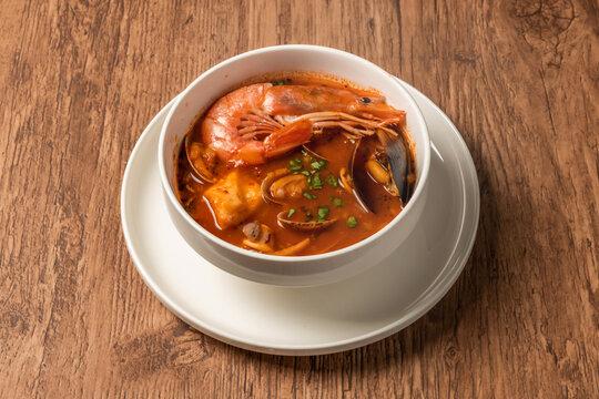 イタリアの魚介類スープ,チョッピーノ  Italian seafood soup(Cioppino)