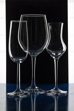 Drei Gläser kreativ dargestellt.