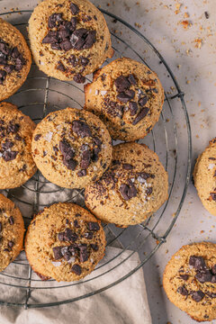 Gluten-free peanut cookies with chocolate