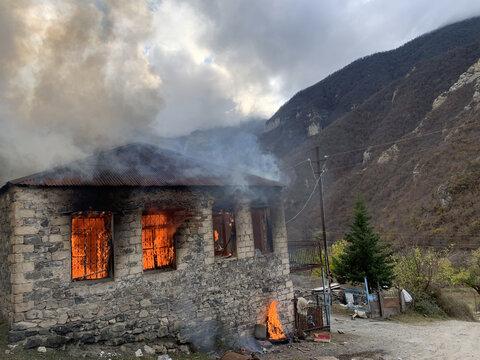 Nagorno-Karabakh: Ethnic Armenians set fire to their homes rather than hand them to Azerbaijan
