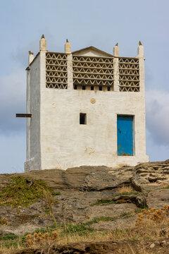 Venezianischer Taubenturm im Hochland der griechischen Kykladeninsel Tinos