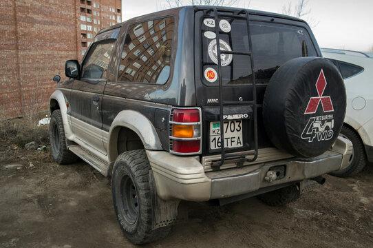 Kazakhstan, Ust-Kamenogorsk, november 7, 2020: Mitsubishi Pajero second generation (V20- / NH, NJ, NK, NL; 1991-2000)