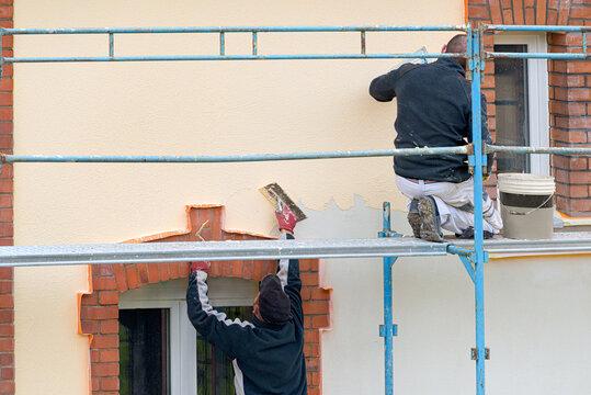travaux de rénovation sur façade d'un immeuble