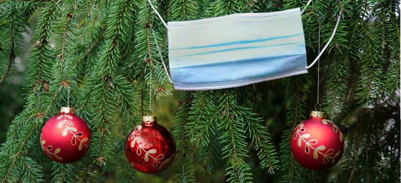 Weihnachten feiern mit Maske, Banner, Header, Headline, Panorama