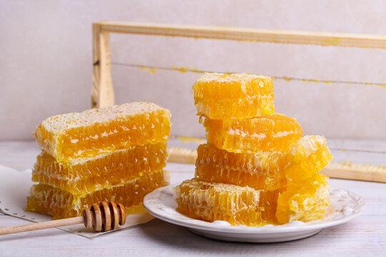 Lots of golden cut honeycomb