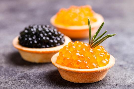 Black sturgeon and red chum salmon caviar in tartlet