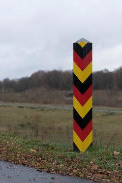 Ein deutscher Grenzpfahl