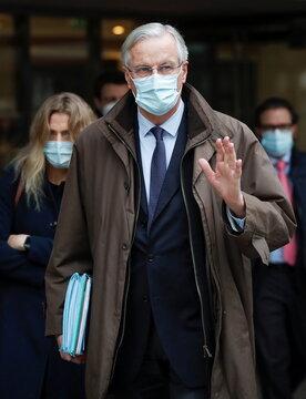 EU chief negotiator Barnier arrives for Brexit talks in London