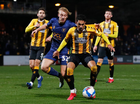 League Two - Cambridge United v Mansfield Town