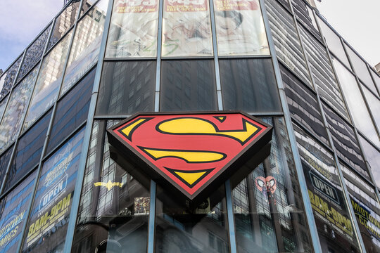 Superman symbol on a building in Manhattan that hosts a comic book store.