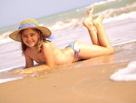 Little girl beach vacation 2