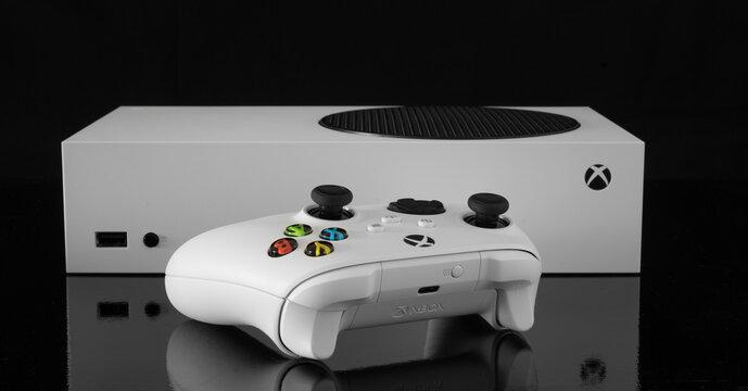 Xbox Series S with controller. 6th Dec, 2020, Sao Paulo, Brazil