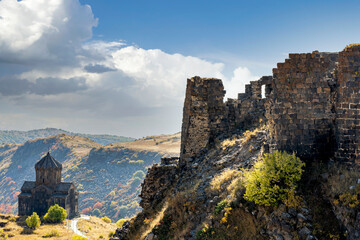 Vahramashen Surp Astvatsatsin, 10th century church and the fortress of Amberd, in Mount Aragats along the promontory of Arkashian River. Fotobehang