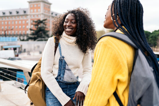 Happy Afro Girls