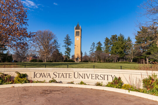 Iowa State University sign in front of the campanile