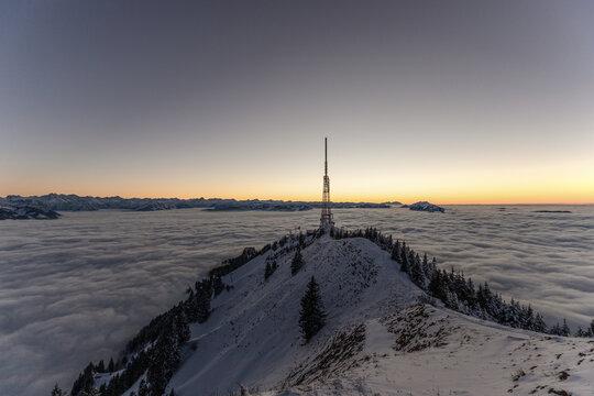 Grünten Sender über Nebelmeer