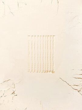 Cream Powder with Line Patterns