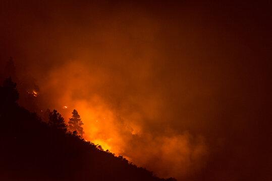 oregon wildfire on mountain