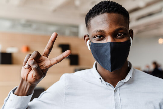 Student wearing mask during covid-19