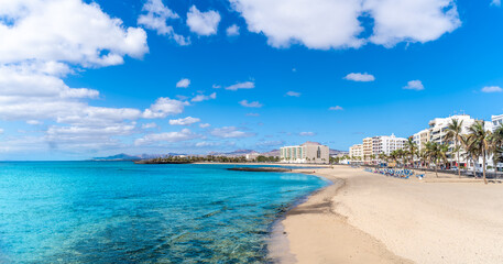 Wall Mural - Landscape with Playa del Reducto im Arrecife, capital of Lanzarote, Canary Islands, Spain
