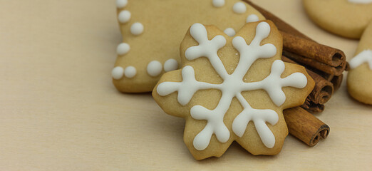 Snowflake-shaped cookies with cinnamon. Homemade Christmas Cookies