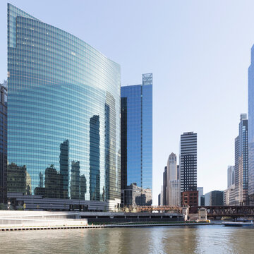 333 Wacker drive building on river Chicago, USA