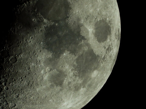 The moon, December 2020, you can see the craters and details of our satellite.