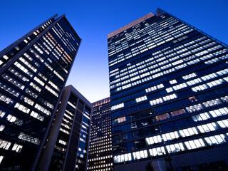 Fototapete - 東京都 丸の内のオフィスビル街