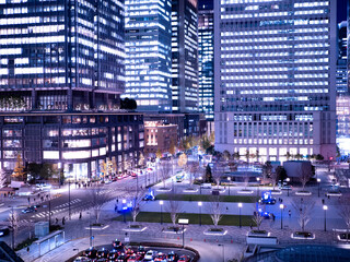 Fototapete - 東京都 夕暮れの東京駅丸の内駅前広場