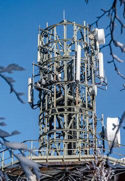 Antenne relais en montagne