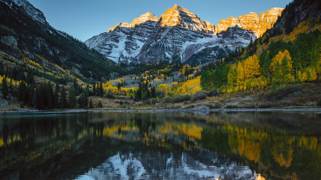 Maroon Bells at sunrise in the fall.